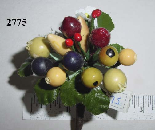 Medium Mixed Fruit Cluster