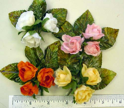 Rose Buds by 3  hat trim