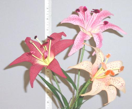 Lily  --  Vintage Flower hand made in Germany home d